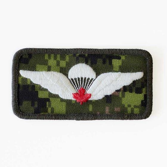Parachutist Wings Red Badge